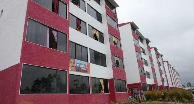 Noticias al Día - Edificios de la Misión Vivienda carecen de cuartos ...
