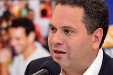Armando Briquet: Elecciones en el vecindario