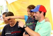 Capriles: La única forma de combatir la corrupción es cambia...