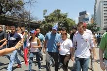 """Capriles: """"No queremos estallido, golpe o autogolpe&quo..."""