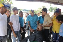 """Capriles: """"Miranda contra el hambre"""" llegó a sector Cotoperí..."""
