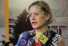 Adriana D'Elia: Escuchen la poderosa voz de las venezolanas