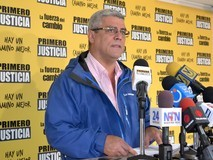 Alfonso Marquina: Presupuesto 2015 está basado en una devalu...