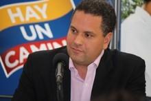 """Armando Briquet: """"Es triste que Chávez siga hablando co..."""