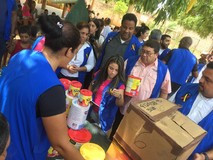 Diputados acompañan entrega de ayuda humanitaria en el estad...