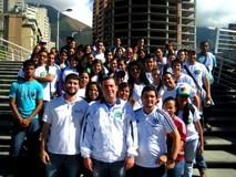 """Becarios invitan a jóvenes a inscribirse en plan """"Supér..."""