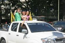 Caravana multicolor de la Unidad recorrió Chacao