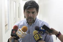 MUD exige que cese el hostigamiento contra Carlos Ocariz