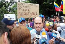 """Julio Borges al ejército: """"sean parte del futuro de una..."""