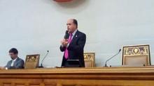 Julio Borges recibe de la UCAB propuesta legislativa para ge...
