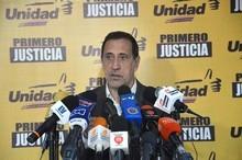 José Guerra: Es imposible que en 5 días hábiles se pueda dis...