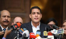 MUD inscribió a José Manuel Olivares como candidato a gobern...