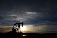 Desplome de precios del crudo forzará cambios en Petrocaribe