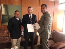 Diputados al Parlasur abordan crisis venezolana con vicepres...