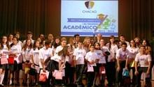 Alcaldía de Chacao entrega premio al talento académico a los...