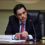 Carlos Paparoni: Alex Saab es el responsable de lavarle el d...