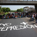 Jóvenes zulianos llevan sus clases a la calle